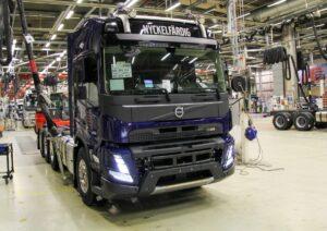 Volvo rozpoczyna seryjną produkcję nowej generacji ciężarówek