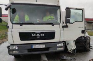 Karambol na A1 z udziałem ciężarówek [FILM]