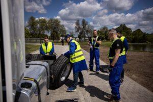 Szkolenia w ramach akcji Profesjonalni Kierowcy na półmetku