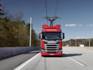 Scania wzięła udział w badaniach nad drogami elektrycznymi