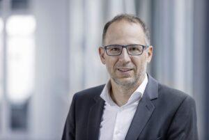 Daimler Truck obsadza stanowiska w obszarze finansów