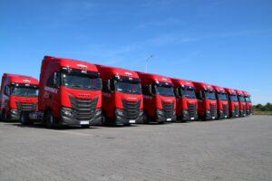 IVECO Poland przekazało firmie AGROMEX 18 IVECO S-WAY LNG