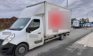 Kierowca busa poszukiwany i bez prawa jazdy